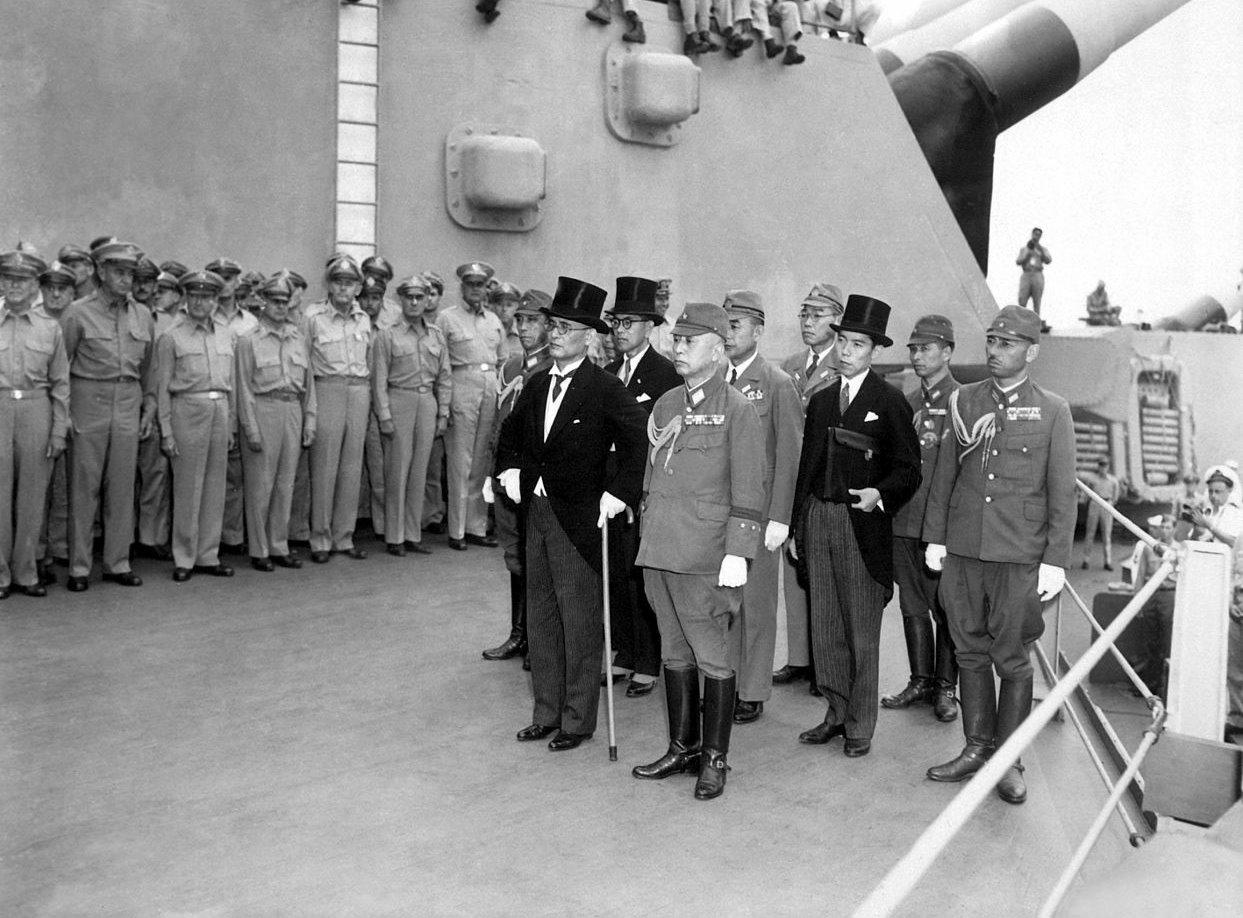 Capitularea Japoniei la bordul USS Missouri