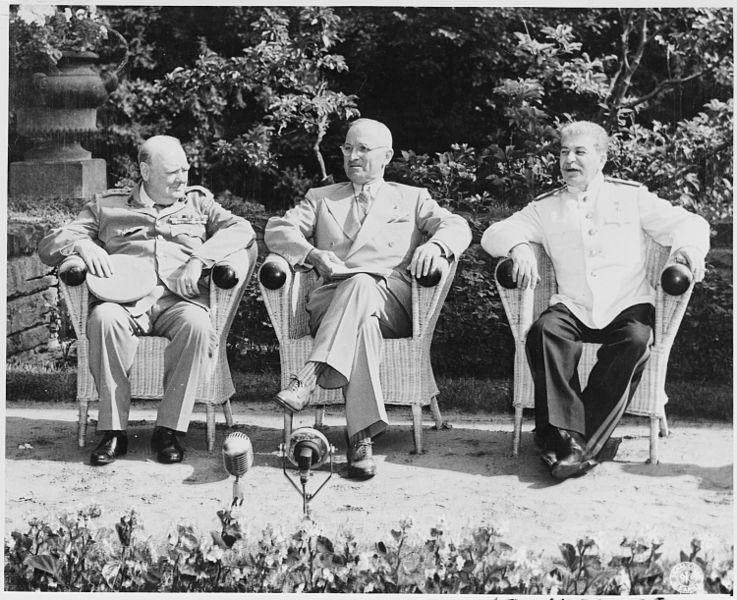 Winston Churchill, Harry Truman și Iosif Stalin, în prima parte a Conferinței de la Potsdam