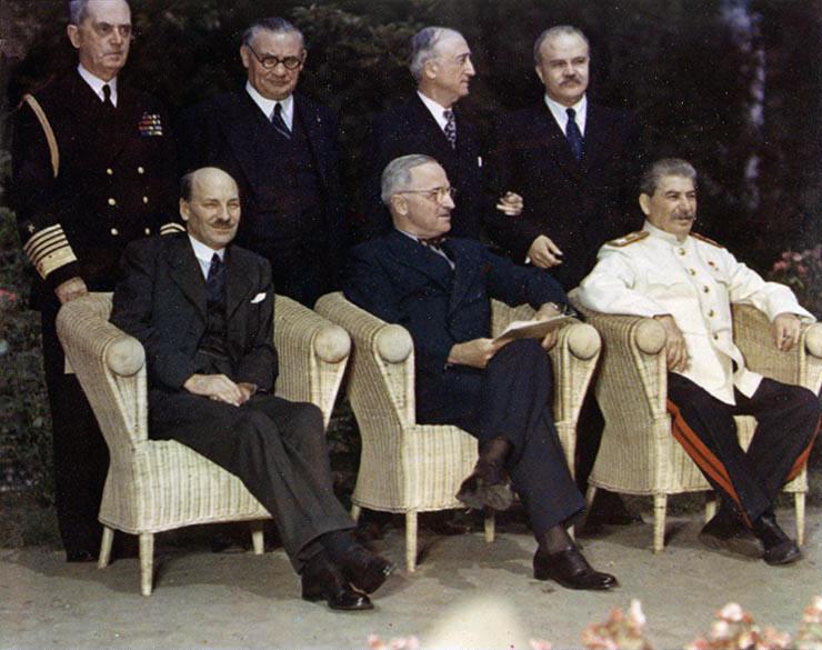 Clement Attlee, Harry Truman și Iosif Stalin, în a doua parte a Conferinței de la Potsdam