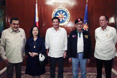 Rodrigo Duterte și foștii președinți ai Filipinelor