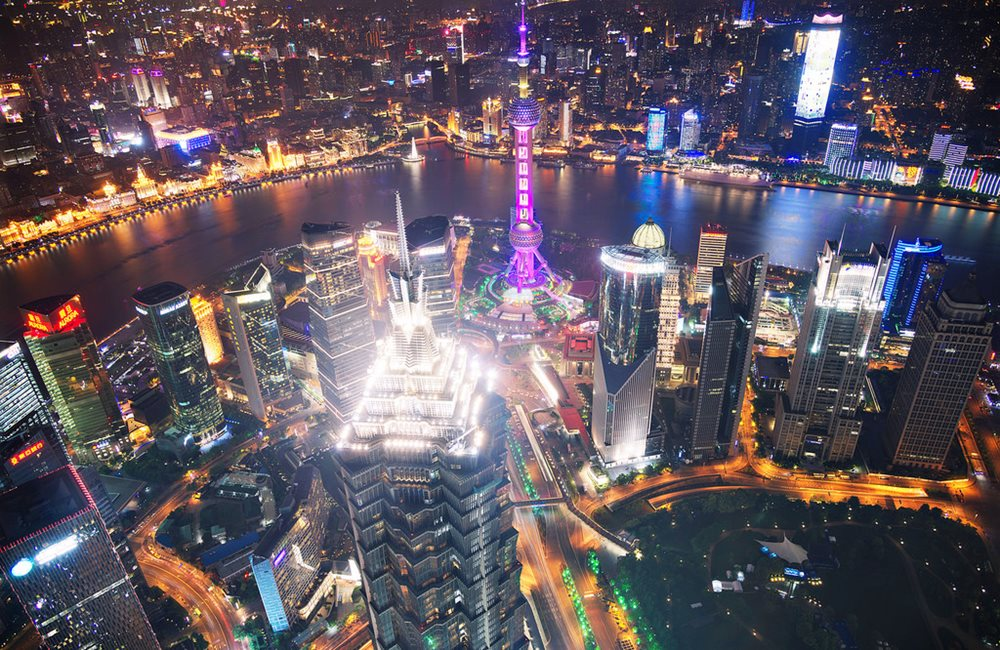 Oriental Pearl Tower și Jin Mao Tower, văzute din Shanghai World Financial Center, din Pudong, Shanghai