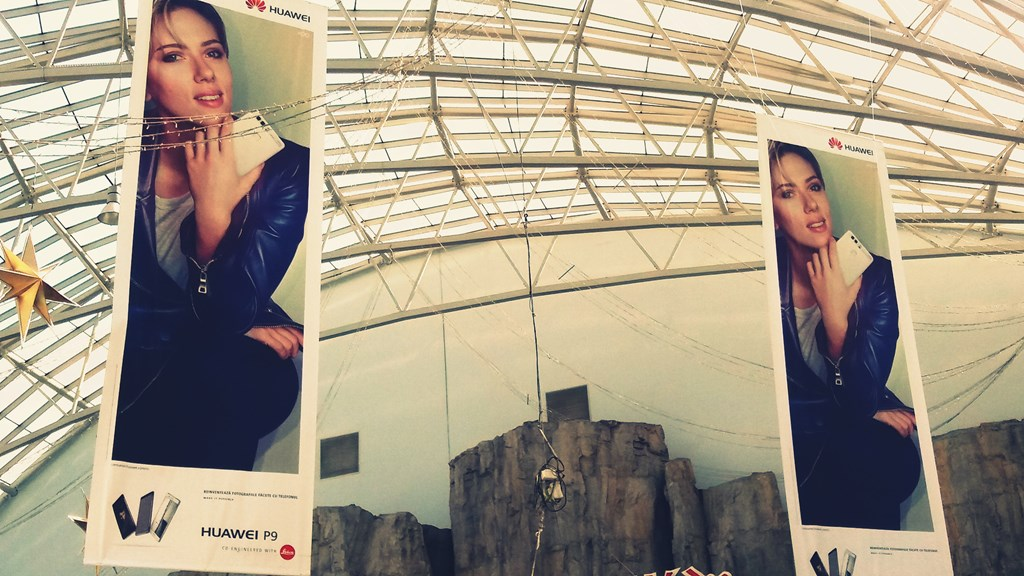 Scarlett Johansson, reclamă Huawei P9