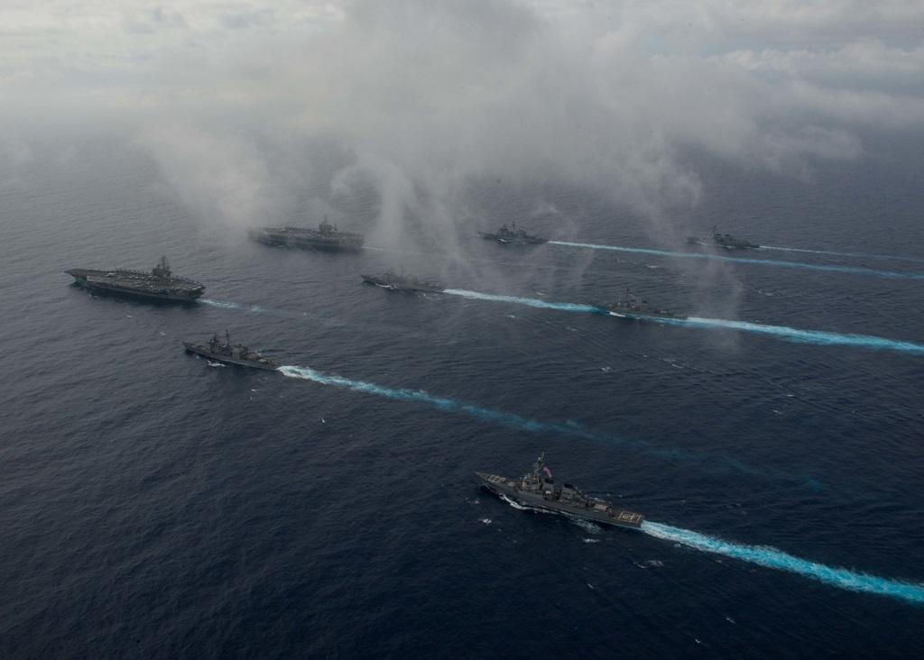 Exercițiu naval portavioane Stennis și Reagan