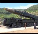Kim Jong-un, lângă prima rachetă balistică intercontinentală a Coreei de Nord