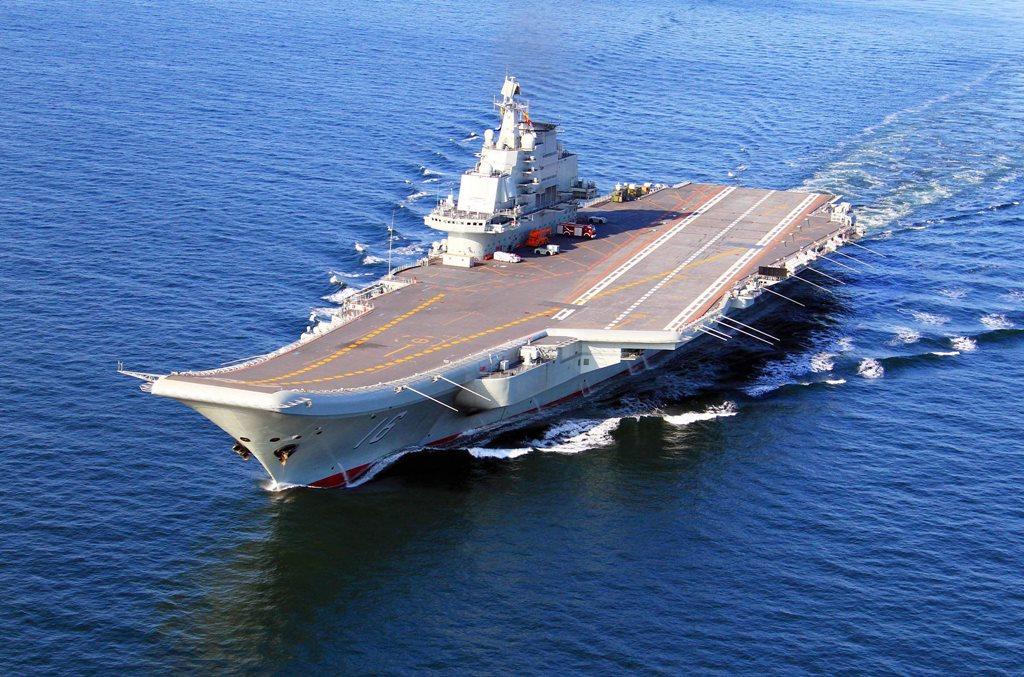 Portavionul chinez Liaoning în perioada testelor, în noiembrie 2012