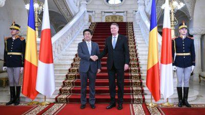 Prim-ministrul japonez Shinzo Abe și președintele român Klaus Iohannis