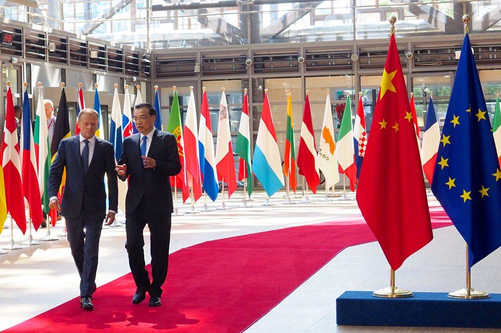 Li Keqiang și Donald Tusk