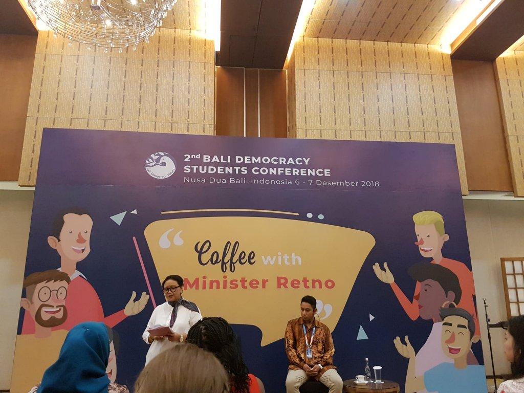 Întâlnire cu ministrul de externe Retno Marsudi la Bali Democracy Students Conference 2018