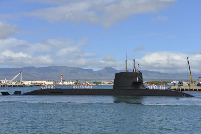 Un submarin japonez din clasa Soryu în portul Hawaii, din SUA